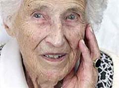Anna Ringier-Kieser  wurde am 12. April 1896 auf einem Bauernhof in Lenzburg geboren.