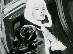 Maria Callas mit Robe (1957).