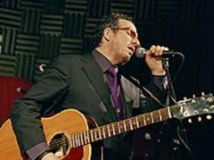 Dominierte als Frontmann: Elvis Costello.