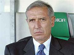 Alberto Bigon wird «sowieso degradiert», so YB-Präsident Constantin.