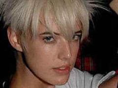 Eines der zurzeit gefragtesten Models: Agyness Deyn, die Punk-Prinzessin mit frechem Haarschnitt.