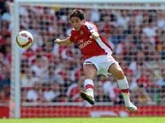 Arsenals Neuzugang Samir Nasri traf.