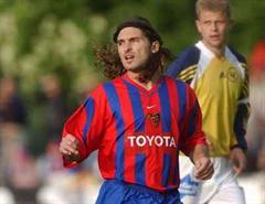Warten auf Julio Hernan Rossi in Basel.