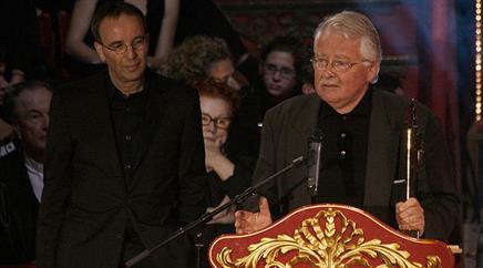 Jossi Wieler (l.) zieht sich als Chef der Stuttgarter Oper zurück.