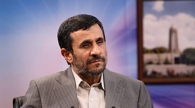 Präsident Mahmud Ahmadinedschad unterstützt die Proteste in Kairo.