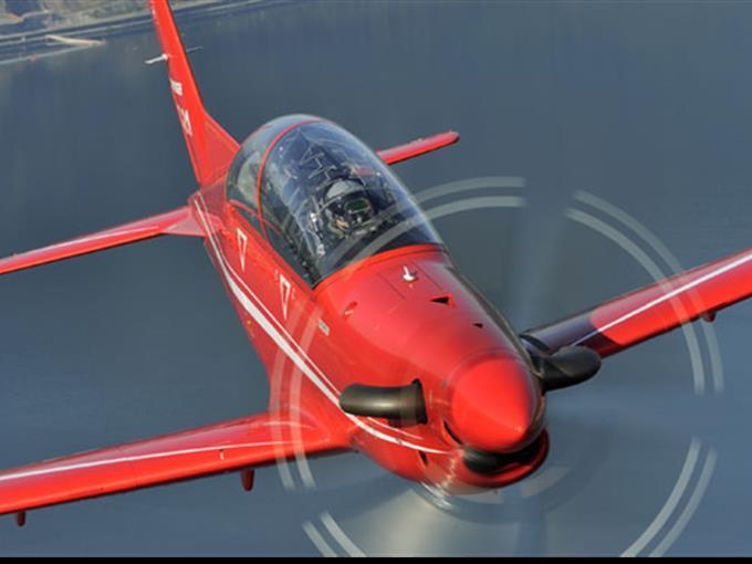 Flugmanöver der PC-21 verursachten wiederholt Lärmbeschwerden wegen des hohen, surrenden Tons.