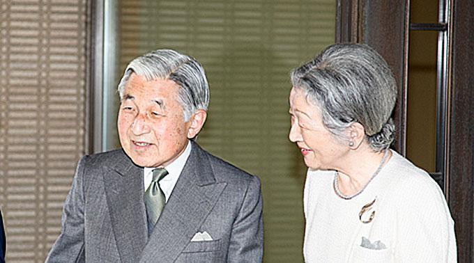 Kaiser Akihito von Japan mit Gattin Michiko.