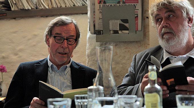 Klaus Merz (links) ist der 30. Preisträger des Hölderlinpreises.