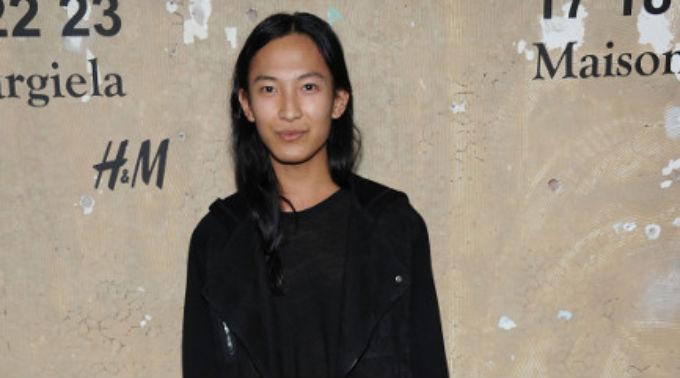 Alexander Wang soll in Kürze offiziell zum neuen Kreativdirektor von 'Balenciaga' erklärt werden.