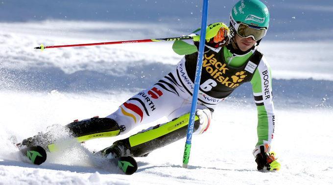 Felix Neureuther führt nun auch im Slalom-Weltcup.