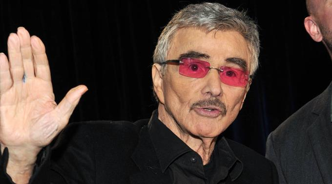 Burt Reynolds lehnte Bond-Rolle ab.